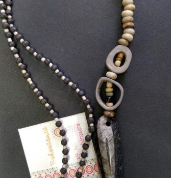Collar largo orthoceras lava artesania