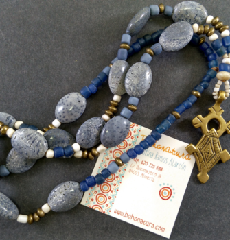 collar largo boho artesanal cruz copta (Copy)