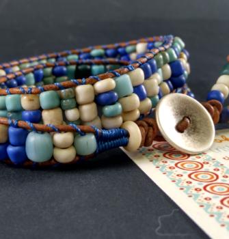 pulsera de cristales azules dos vueltas (Copy)